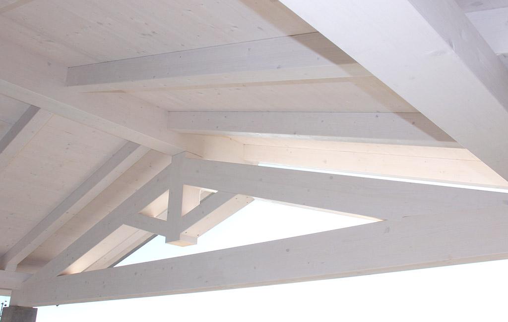 Perfect copertura copertura in lamellare impregnato bianco - Tetto in legno bianco ...